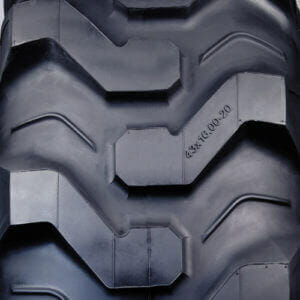 Carlisle Xtra Grip® R-4 Tread